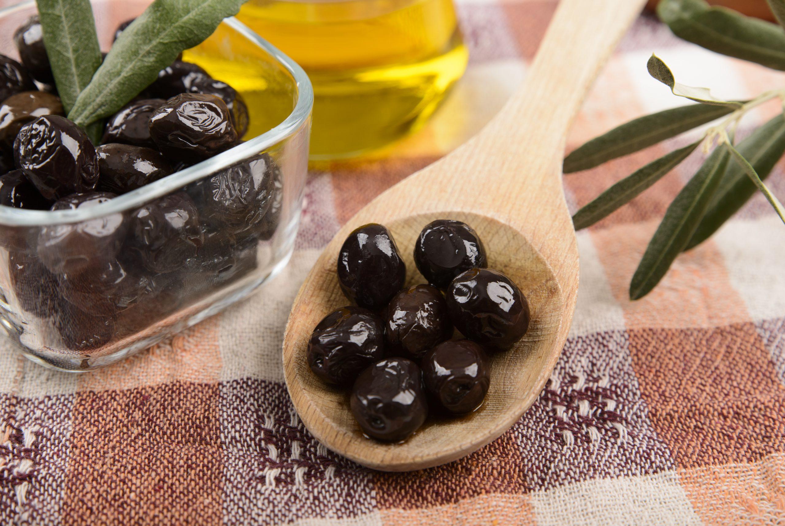 Attun (Siyah Odun Zeytini) 1 Kg | Kocadağ Yöresel Ürünleri